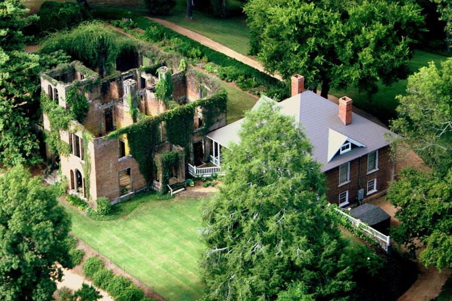 Hotels with Helipads: Barnsley Resort