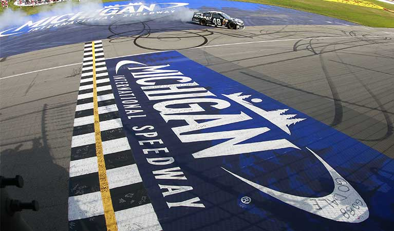 Helicopter Charter to Michigan International Speedway