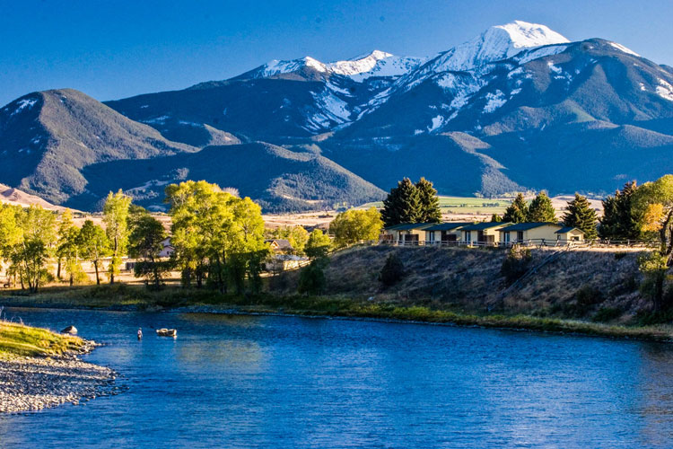 Yellowstone Valley Lodge VIP Helicopter Charters