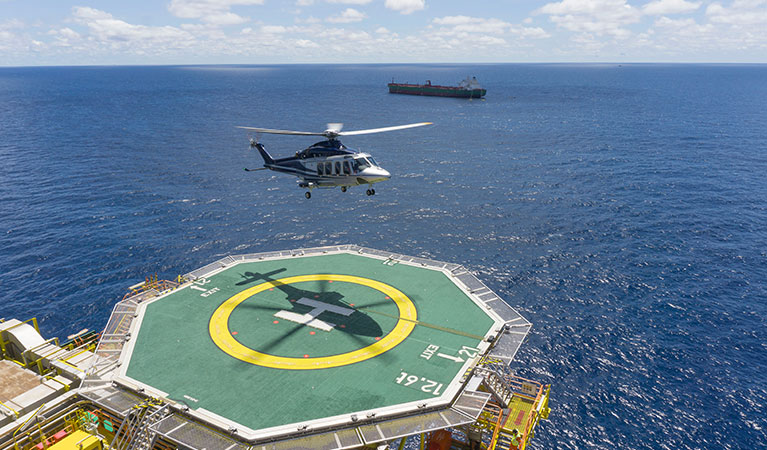 Mobile Oil Platform Helicopter Support