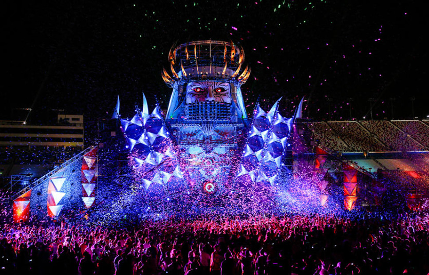Reach the 2019 Las Vegas Electric Daisy Carnival by Helicopter