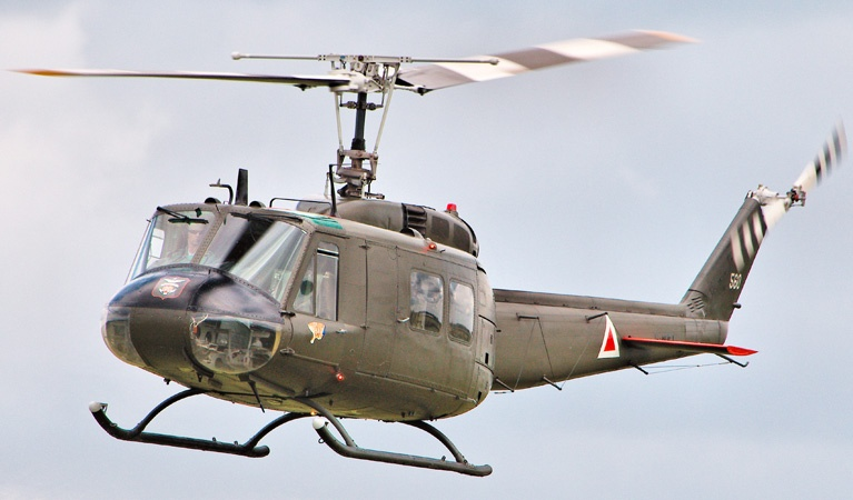 Bell UH Huey : Helicopter Lift Services
