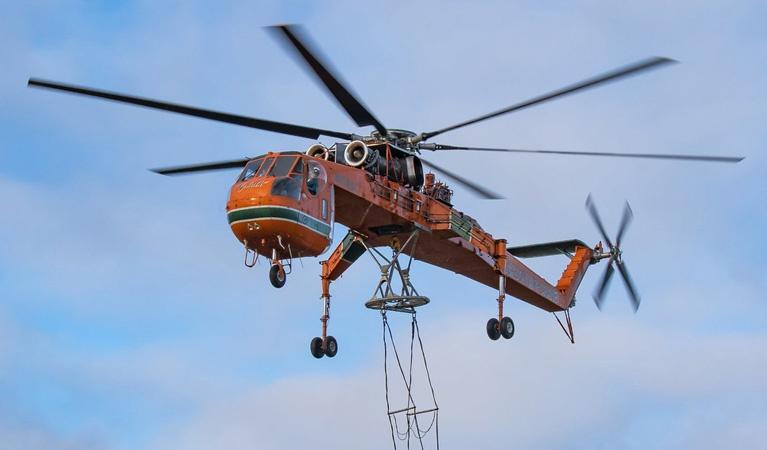 """Sikorsky S-64 """"Skycrane"""" - Aerial Firefighting"""